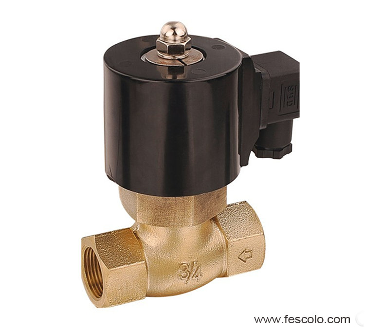 Pilot operated steam solenoid valve
